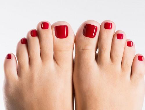 como pintar las uñas de los pies